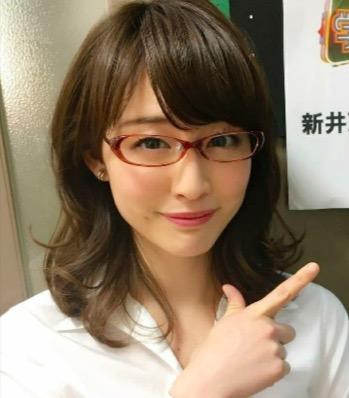 新井恵理那 なぜメガネ